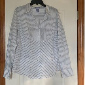 Gap Maternity shirt